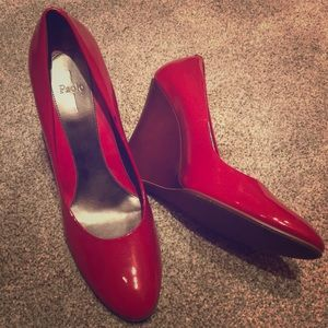 """""""Linea Paolo"""" Red Patent Leather Wedge: Size 12M"""